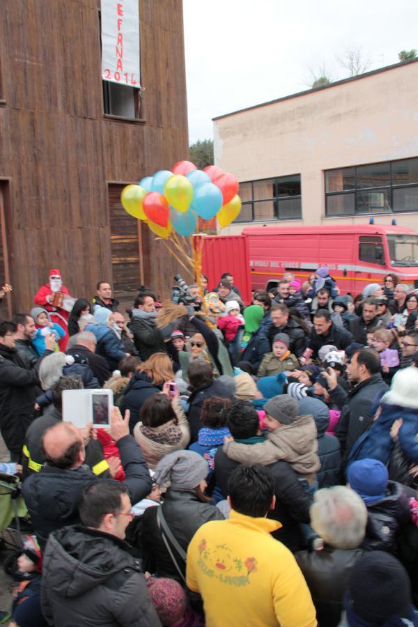 Vigili del Fuoco festeggiano la befana - 6 gennaio 2014