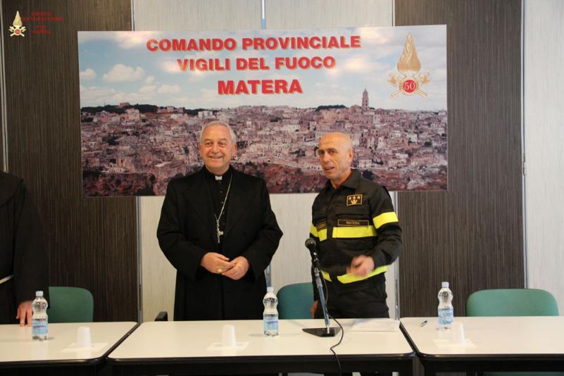 Visita pastorale di Mons, Ligorio al Comando dei Vigili del Fuoco di Matera - 27 febbraio 2014