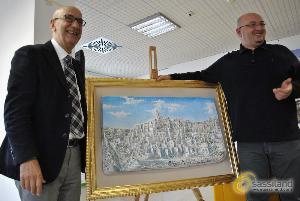 Bassorilievo realizzato da Mario Daddiego, donato al Comune di Matera (foto SassiLand) - Matera