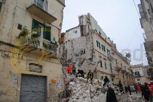 Crollo di palazzina a Matera - 11 gennaio 2014 (foto SassiLand)