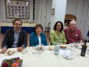 Da sinistra: Gianluigi Maraglino (Dirigente Scolastico), Mary Ann Esposito, Angela Carbone (vicario del D.S.) e il coniuge della Sig.ra Esposito - Matera