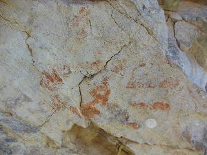 Disegni rinvenuti su rocce nella Murgia materana