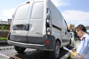Incidente sulla via Appia tra minivan e camion - 11 giugno 2014 (foto SassiLand)