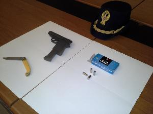 Le armi sequestrate a Michele Festa (foto SassiLand)