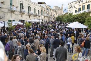 Piazzetta Pascoli in festa per la commissione Matera 2019 - 7 ottobre 2014 (Foto SassiLand) - Matera