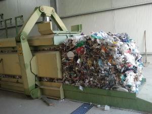 Pressa per rifiuti
