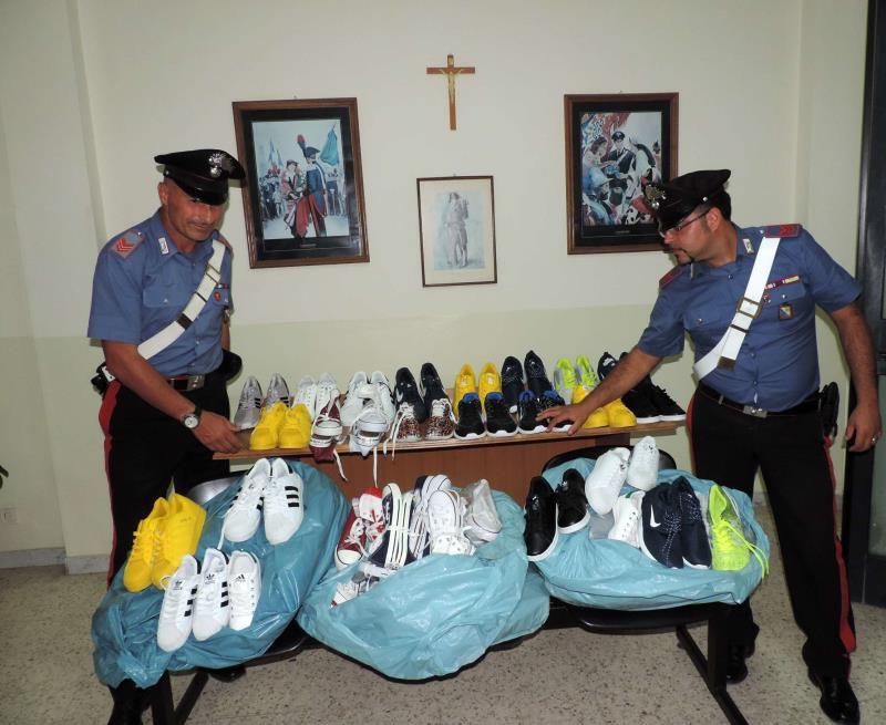 Carabinieri di Irsina sequestrano merce contraffatta