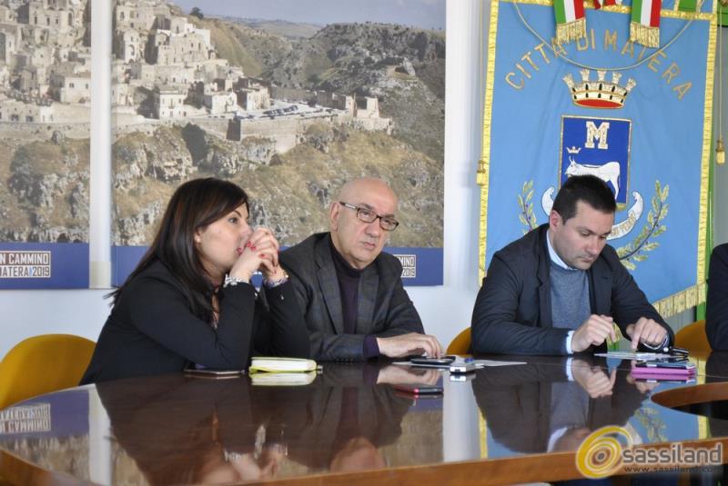 Conferenza stampa su chiusura discarica di La Martella - 15 aprile 2015