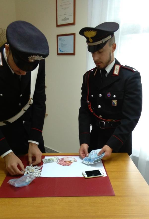 Dosi di hashish sequestrate dai Carabinieri di Stigliano - 8 ottobre 2015
