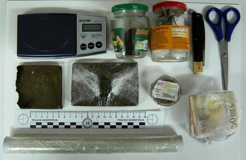 Droga sequestrata dalla Polizia