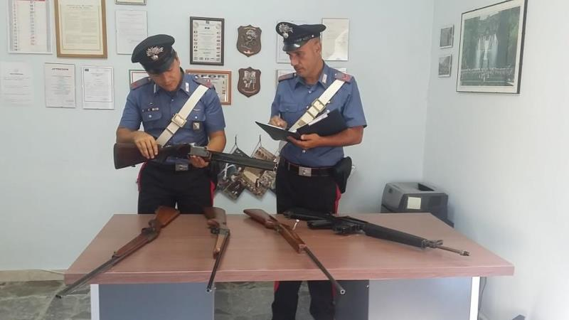 Fucili sequestrati dai Carabinieri