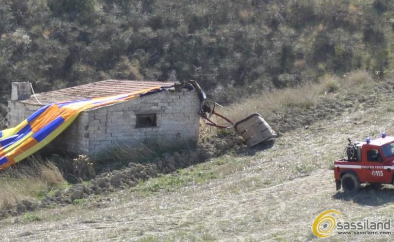 Mongolfiera caduta nei pressi di Montescaglioso - 8 ottobre 2015 (foto SassiLand)