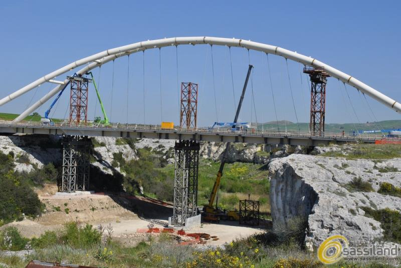 Ponte in costruzione sulla Bradanica (foto SassiLand)