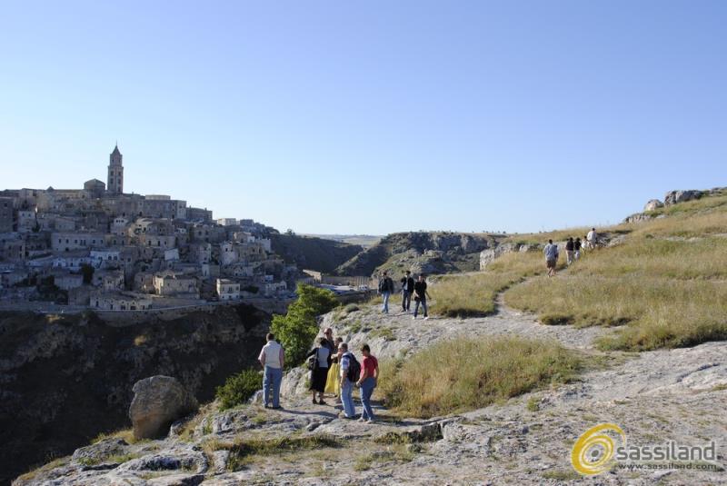 Turisti a Matera sul Parco Murgia