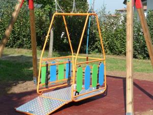 Altalena per carrozzine per disabili - Matera