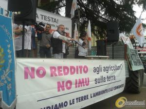 Manifestazione di protesta contro l´IMU Agricola - 28 aprile 2015 (Foto Antonio Grasso)