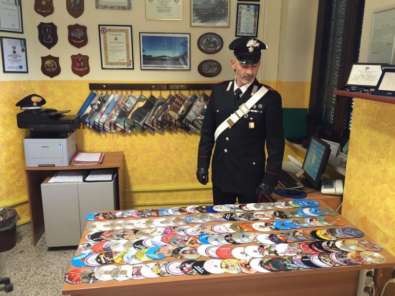 DVD sequestrati dai Carabinieri