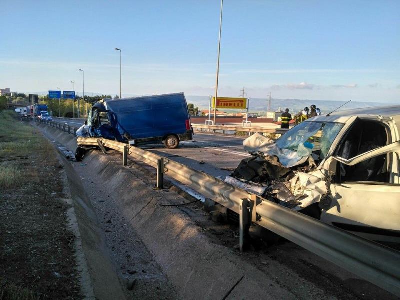 Incidente sulla via Appa, strada statale 7 - 20 aprile 2016 (foto Questura Matera)