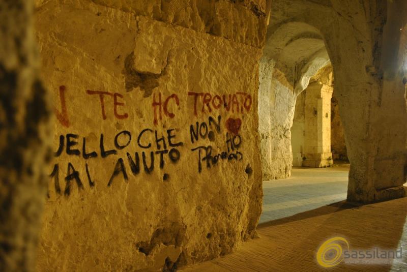 Scritte nei Sassi di Matera (foto SassiLand)