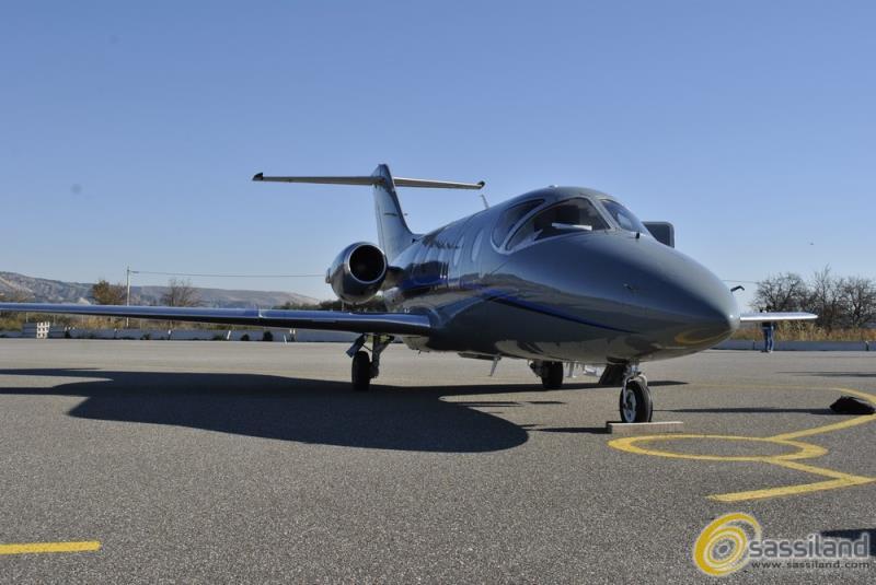 Un aereo sulla pista Mattei  (foto SassiLand)