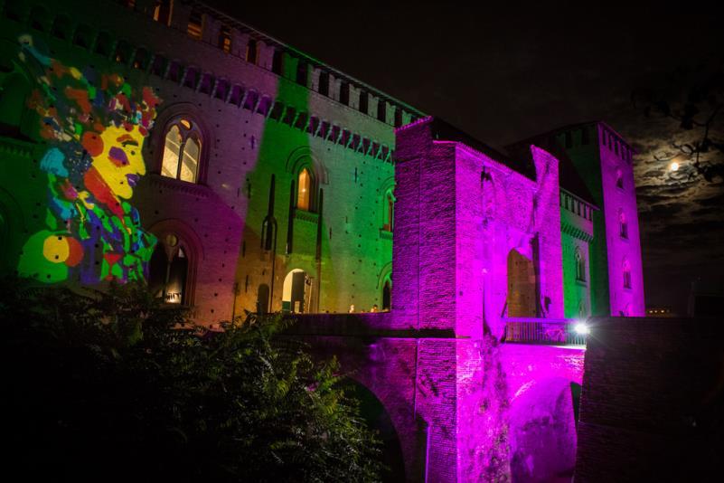 AUTUNNO-PAVESE-DOC edizione 2015 Castello Visconteo con le luci di Marco Lodola