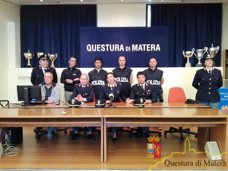 Conferenza stampa della Polizia di Stato su omicidio a Marconia