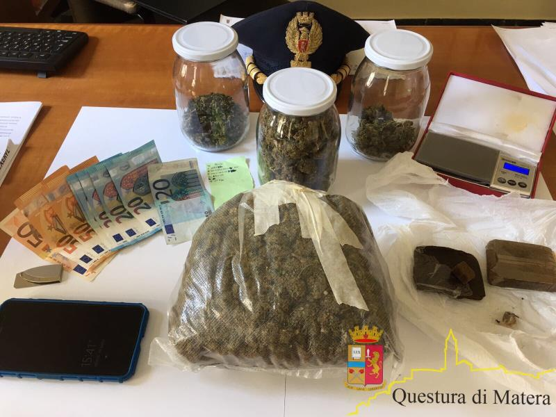 Droga sequestrata al 33enne