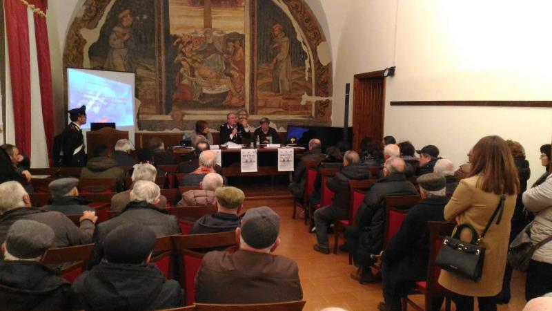 """Progetto """"Segui i nostri consigli"""" - Carabinieri incontrando la cittadinanza a Salandra"""
