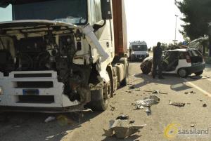 Incidente tra automobile e autocarro - 30 gennaio 2017 (foto SassiLand)