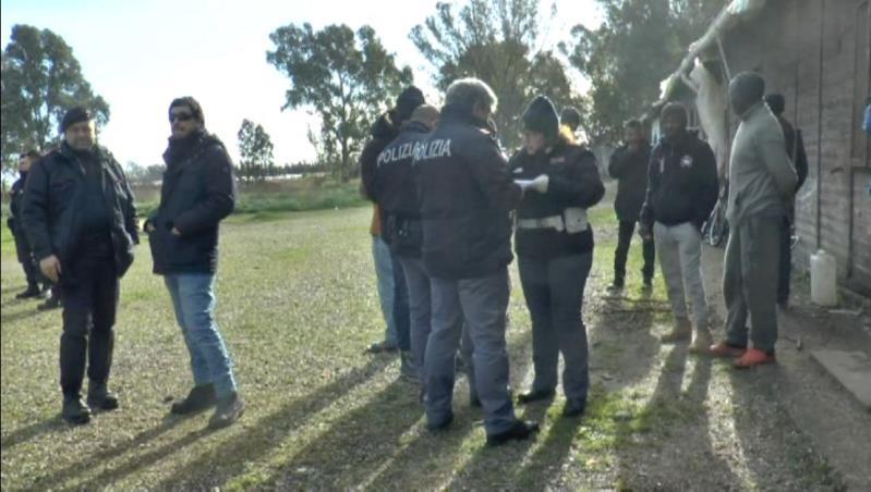 Operazione della Polizia contro il Caporalato