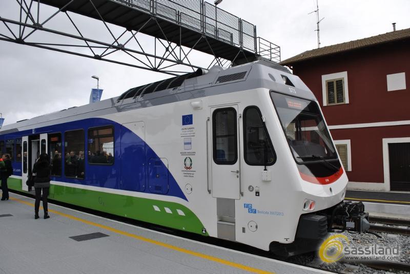 Presentazione nuovi treni Ferrovie Appulo Lucane - 4 aprile 2014 (foto SassiLand)