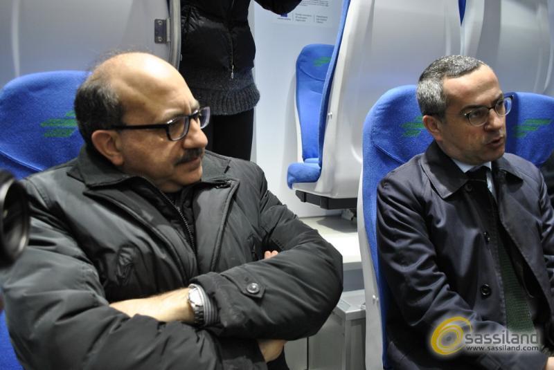 Da sinistra Cosimo Latronico e Matteo Colamussi. Presentazione nuovi treni Ferrovie Appulo Lucane - 4 aprile 2014 (foto SassiLand)