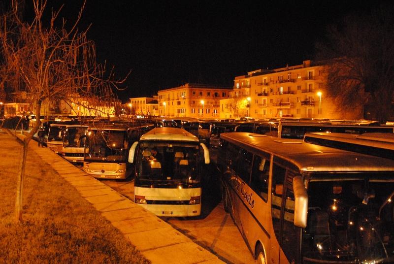 Autobus turistici - piazza della visitazione