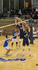"""il bel salto di niero che prende la palla a fil di rete....""""raggiungendo il cielo""""!!!!Roberta Sarra"""