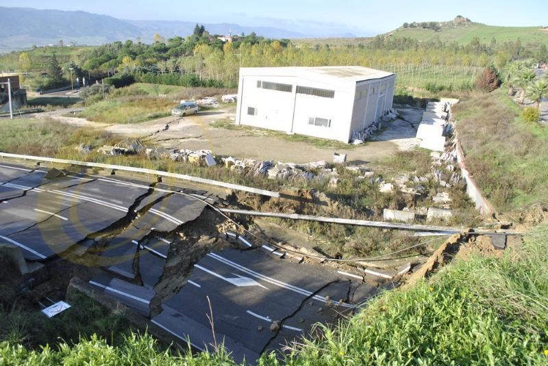 Grave smottamento a Montescaglioso - 4 dicembre 2013 (foto SassiLand)
